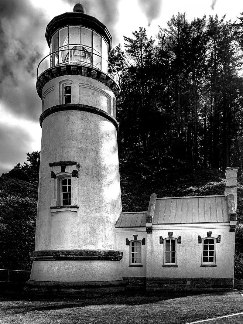 Haceta Head Lighthouse BW 1124 scaled
